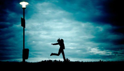 SNSをやめたら幸せになれる可能性が高くなる?SNS疲れの人へ。